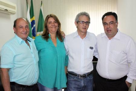 André Vargas visita Xavier e elogia  sua administração